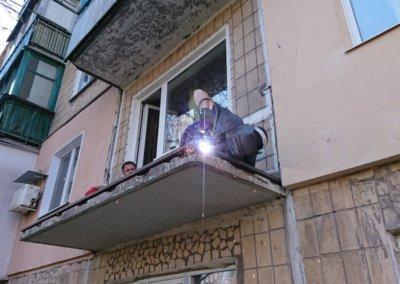 фото сварочные работы металлический каркас балкона Окна Prof