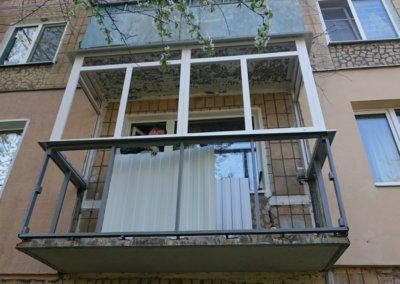 фото пластиковый балкон обшитый профнастилом в Донецке ремонт балкона Окна Prof 010