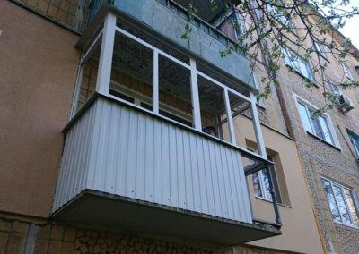 фото пластиковый балкон обшитый профнастилом в Донецке ремонт балкона Окна Prof 007