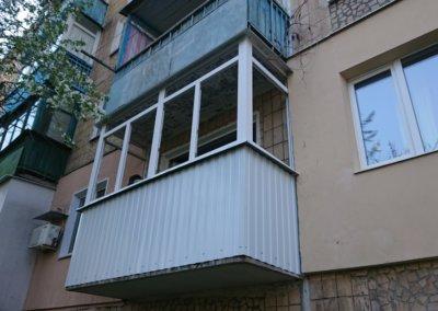 фото пластиковый балкон обшитый профнастилом в Донецке ремонт балкона Окна Prof 006
