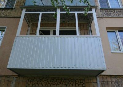 фото пластиковый балкон обшитый профнастилом в Донецке ремонт балкона Окна Prof 002