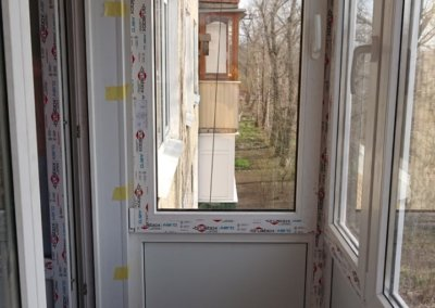 фото внутренняя отделка французского балкона из профиля БрюсБокс в Донецке ОкнаПроф