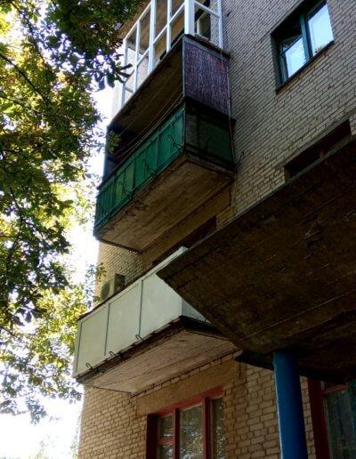 фото французский балкон в процессе установки Амвросиевка Окна Проф