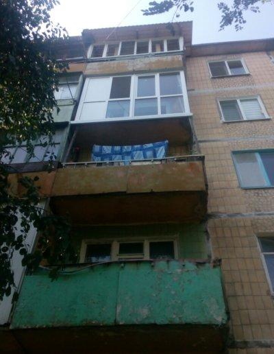 фото французский балкон вид с улицы Донецк ул Волгодонская 7Г Окна Проф 006