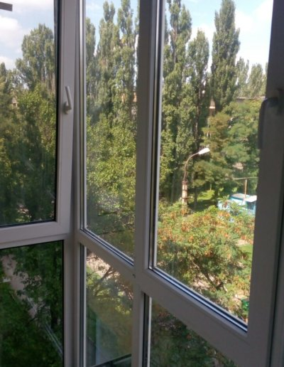 фото французский балкон внутри Донецк ул Волгодонская 7Г Окна Проф 001