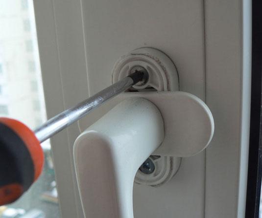 картинка регулировка ручки ПВХ двери