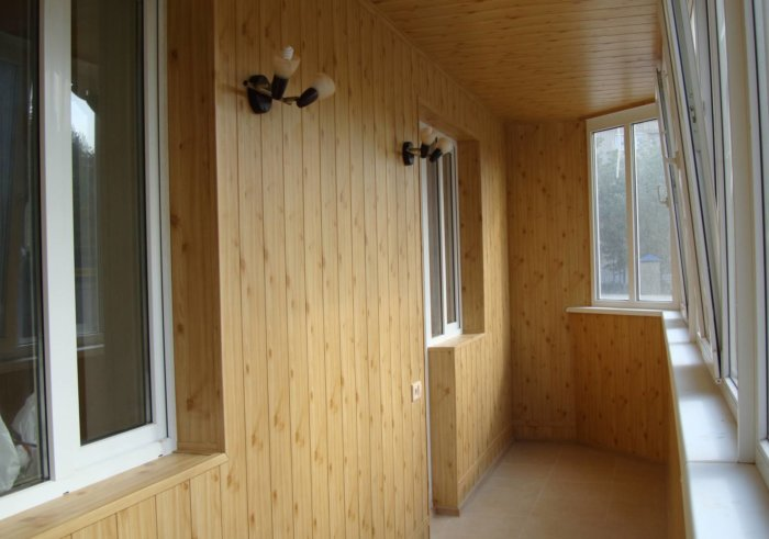 картинка внутренняя обшивка балкона