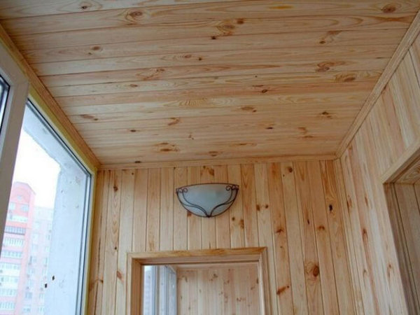 картинка обшивка потолка панелями