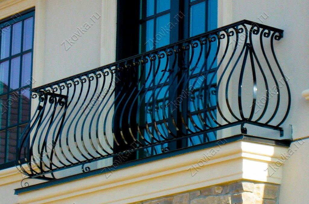 Французский балкон: как преобразить свое жилье