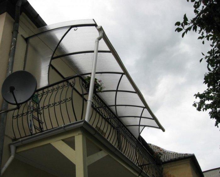 картинка козырек на балкон
