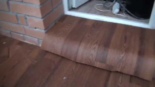 картинка покрытие из ламината для порога на балконе