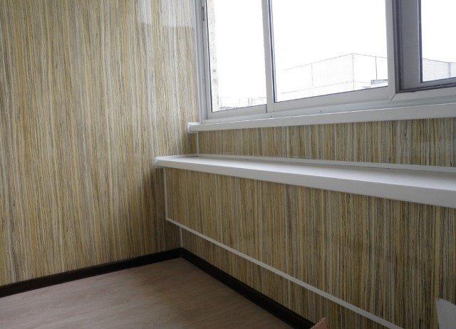 картинка отделка стен балкона ламинатом