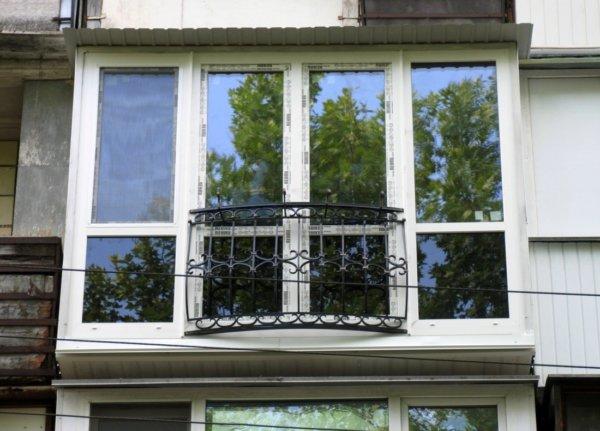 тонированный французский балкон