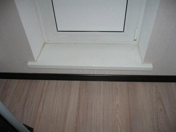 картинка пластиковый порог на балкон