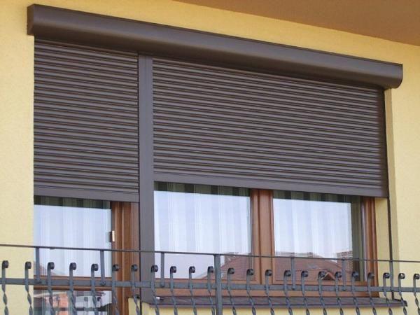 картинка рольставни на балкон
