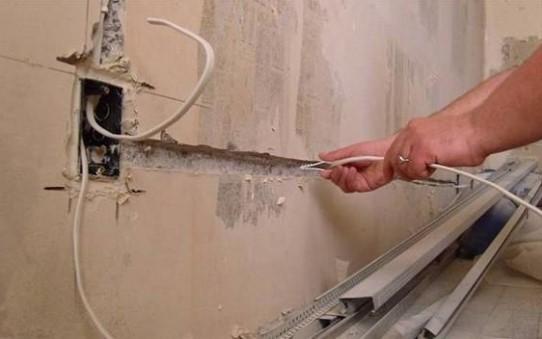 картинка проводка на балконе
