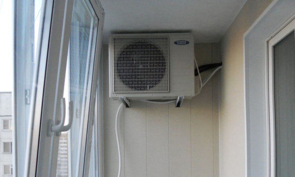 картинка кондиционер на балконе