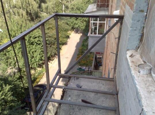 картинка каркас балкона