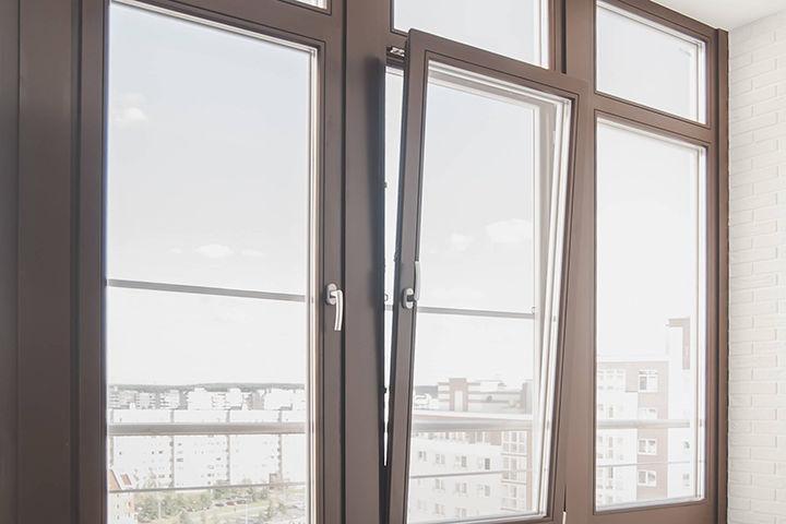 картинка окно с поворотно-откидным открыванием