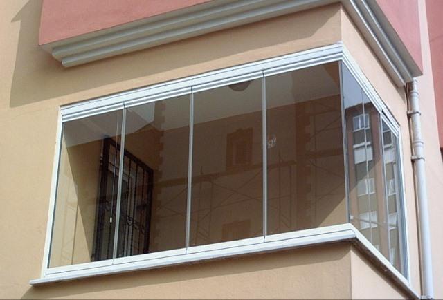 картинка безрамное остекление балконов