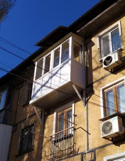 фото французский балкон с крышей ул багратиона Донецк Окна Prof