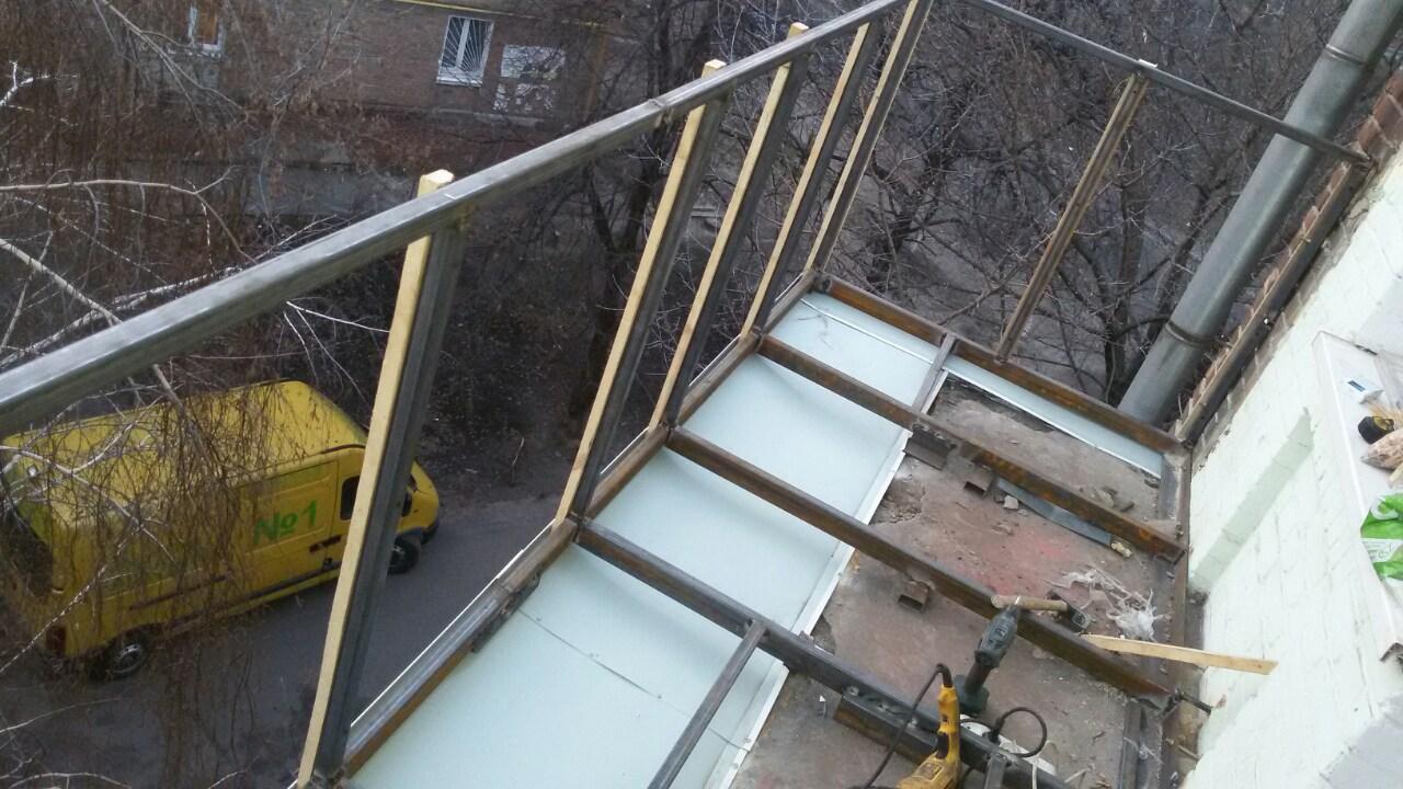 картинка вынос балкона по полу