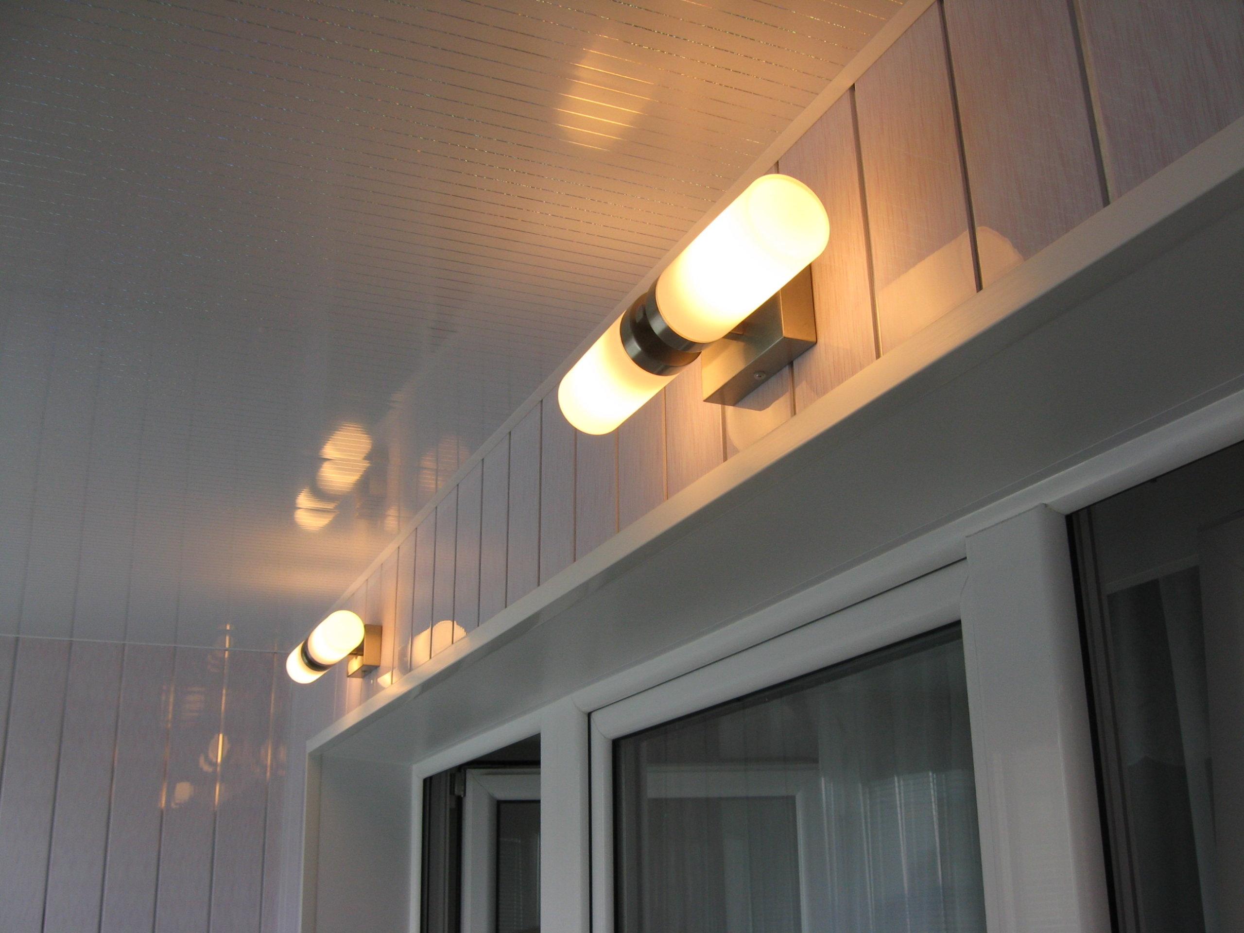 картинка свет на балконе