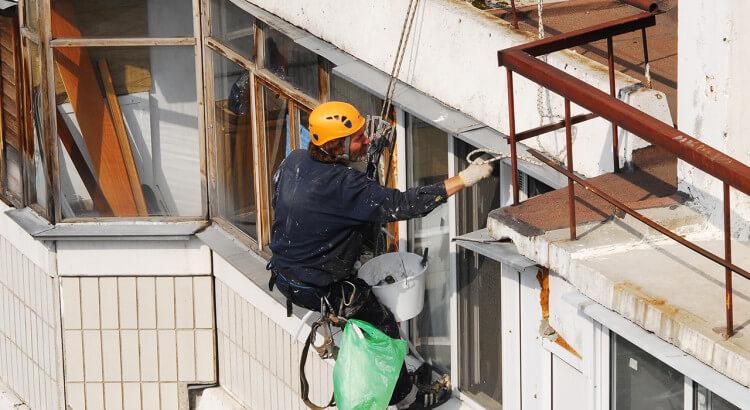 Кто должен ремонтировать балкон в многоквартирном доме?
