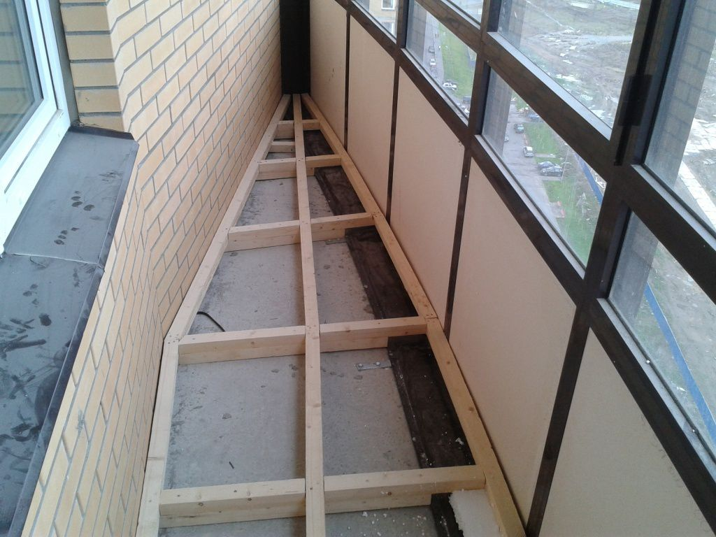 картинка деревянная обрешетка на балконе