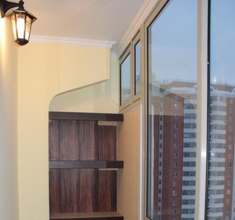 картинка угол с форточкой на балконе