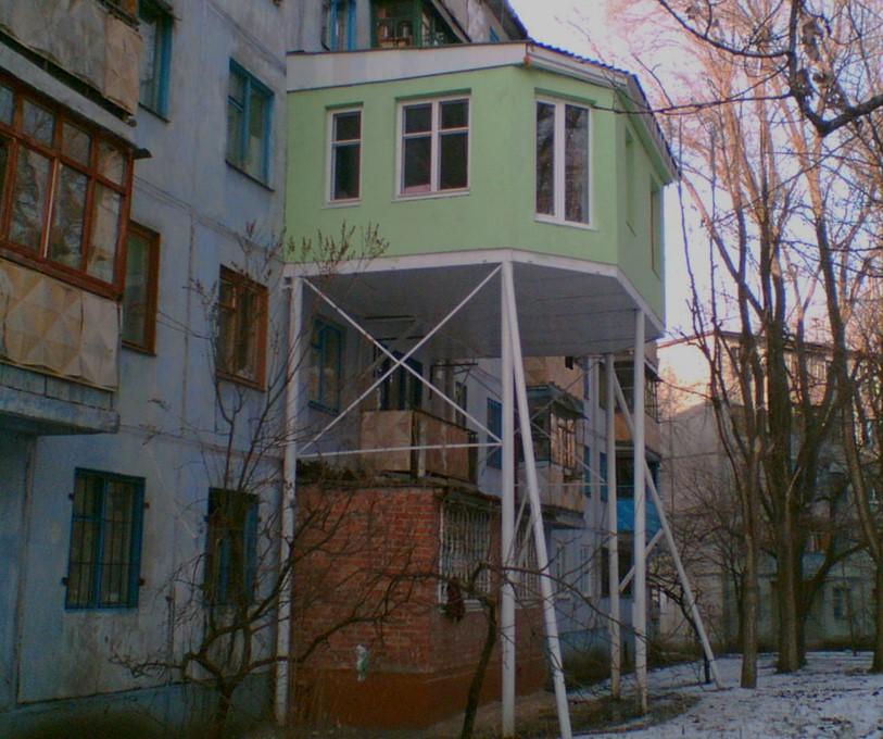 картинка навесной балкон