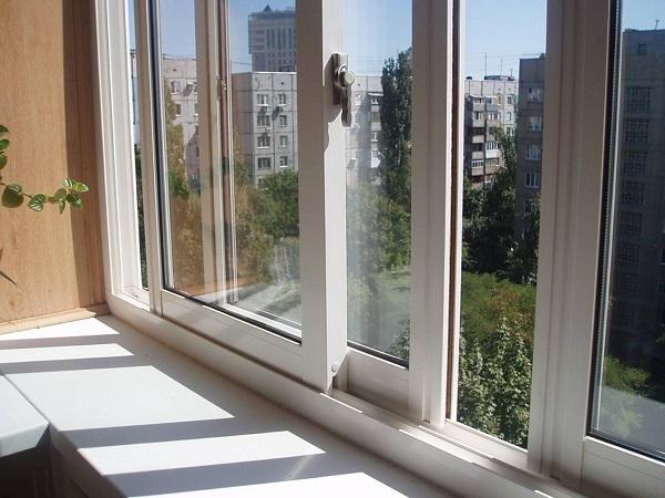 картинка раздвижные окна на балкон