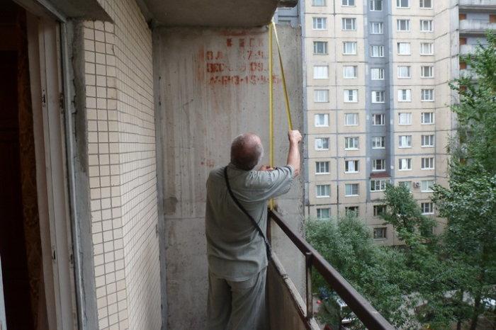 картинка замеры стен на балконе
