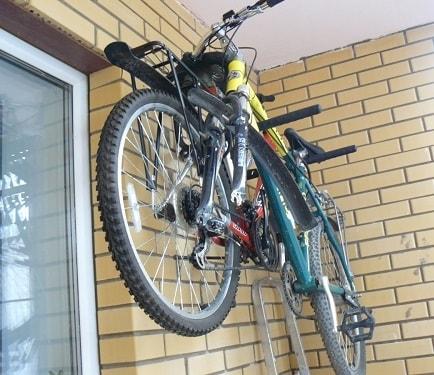катинка размещение велосипеда на балконе