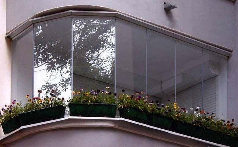 картинка безрамное остекление балкона