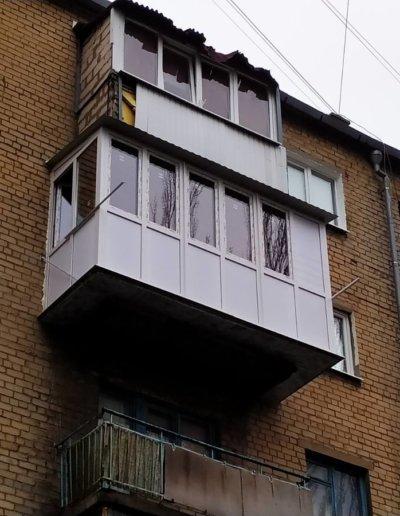 фото французский балкон с расширением плиты Окна Проф Донецк 002