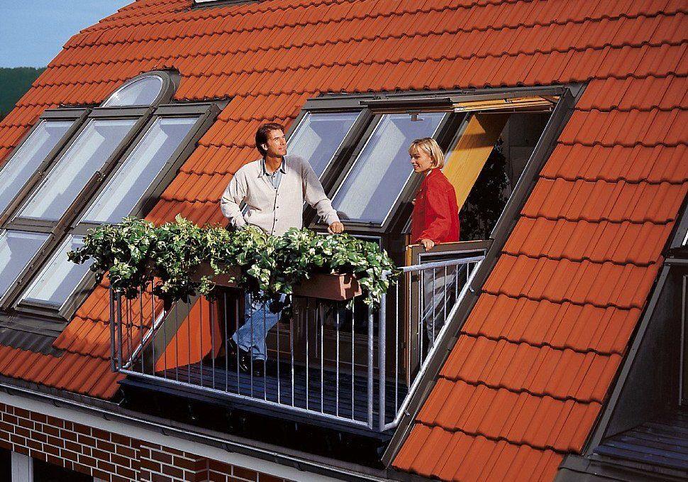 картинка маленький балкон на мансарде