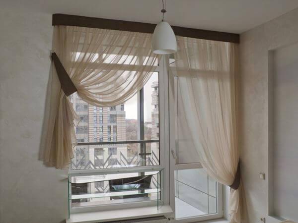Как оформить выход на балкон