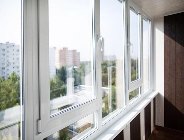 картинка остекление балкона