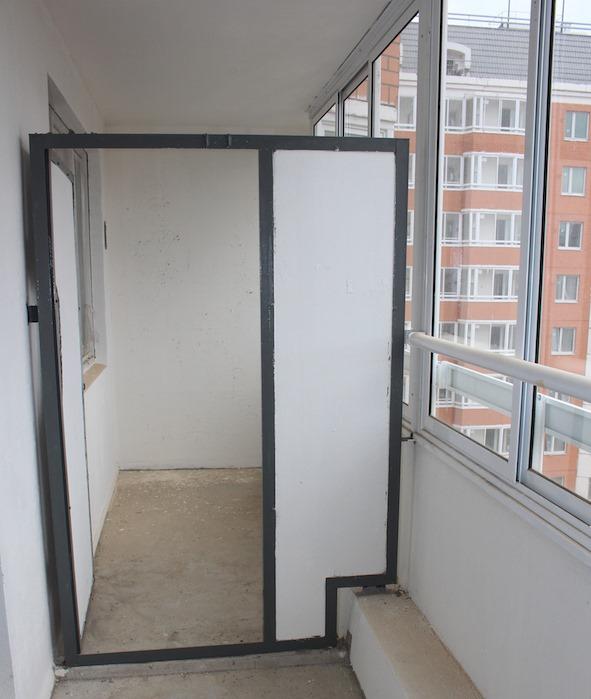 картинка перегородка на балконе между соседями