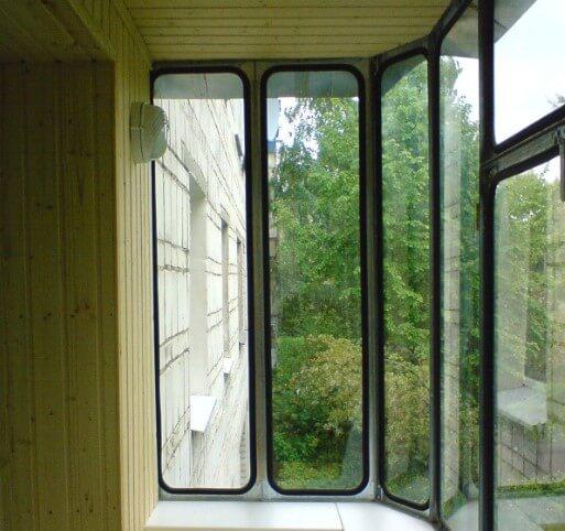 картинка оцинкованные балконные рамы
