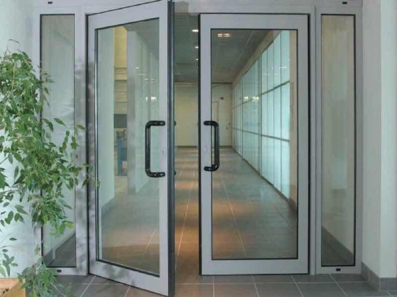 картинка штульповая дверь на балкон