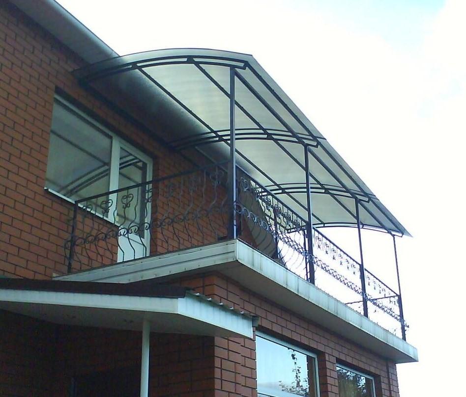 картинка остекление балкона с козырьком