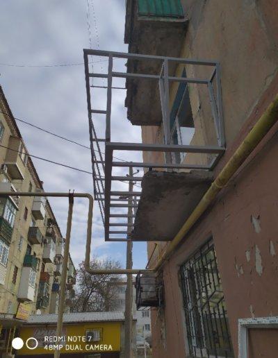 фото балкон с расширением Горловка работа Окна Проф 006