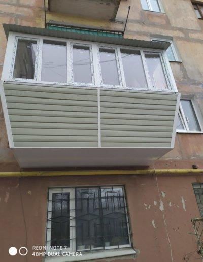 фото балкон с выносом Горловка работа Окна Проф 001