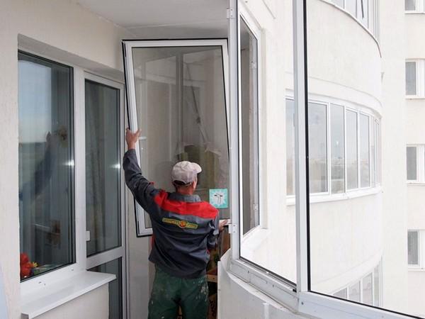 Замена окон на балконе