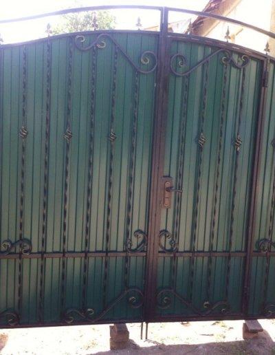 фото ворота с калиткой в Донецке 009
