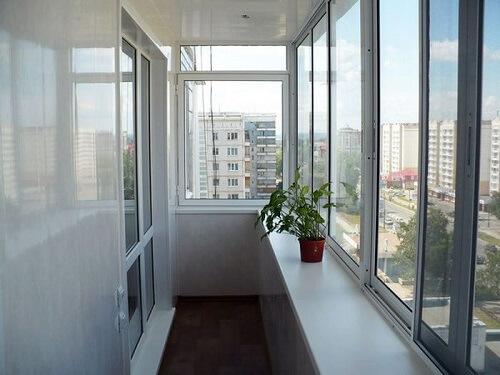 картинка холодное остекленение балкона