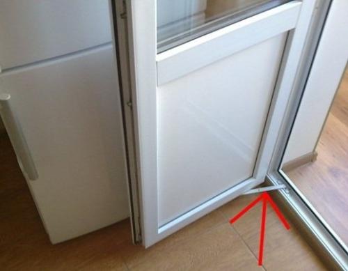 картинка ограничитель открывания балконной двери