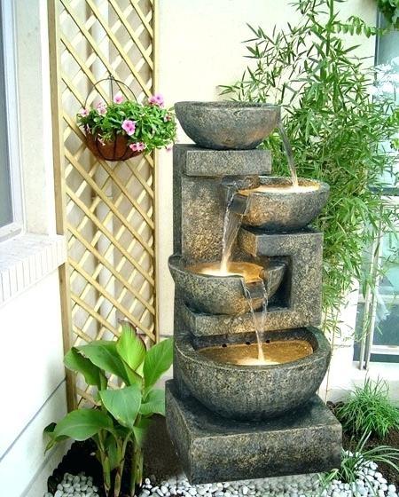 картинка фонтан на балконе